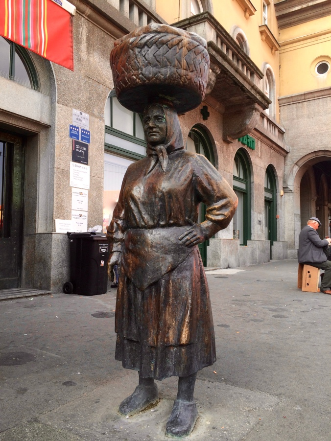 Statue of Petrica Kerempuh - a character from Croatian literature